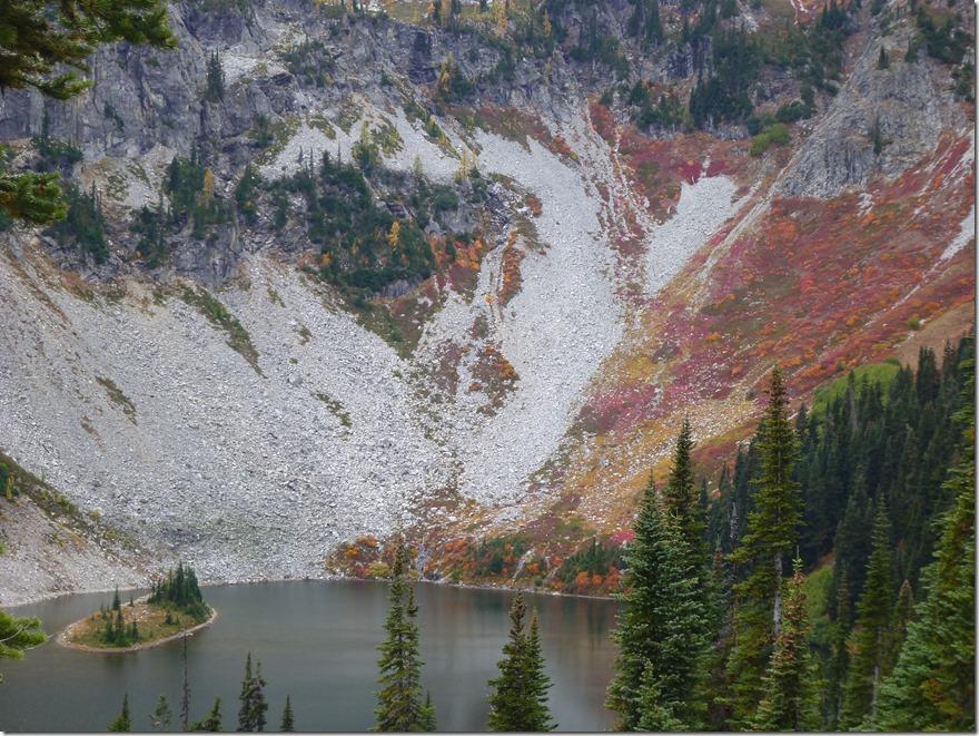 Lake Ann Fall color Maple pass trail north cascades